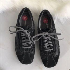 Naturalizer black lace-up shoes